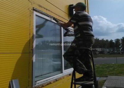 Герметизация окон и стыков стеновых панелей