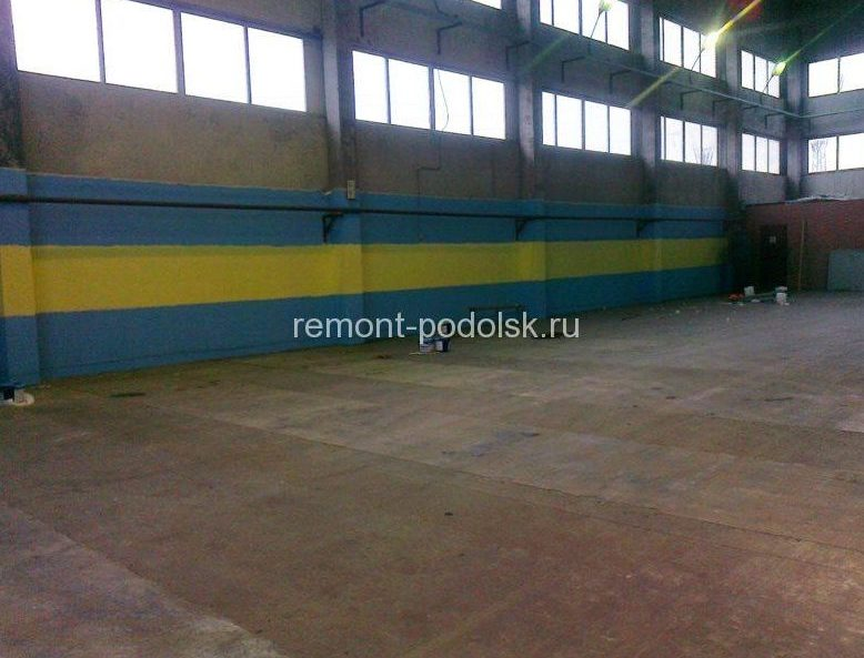 Окраска стен внутри склада